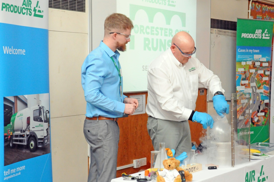 James Moseley (left) and Lawrence Hatfield of Air Products demonstrate the properties of liquid nitrogen